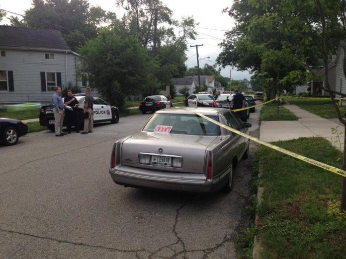 man shot in elkhart