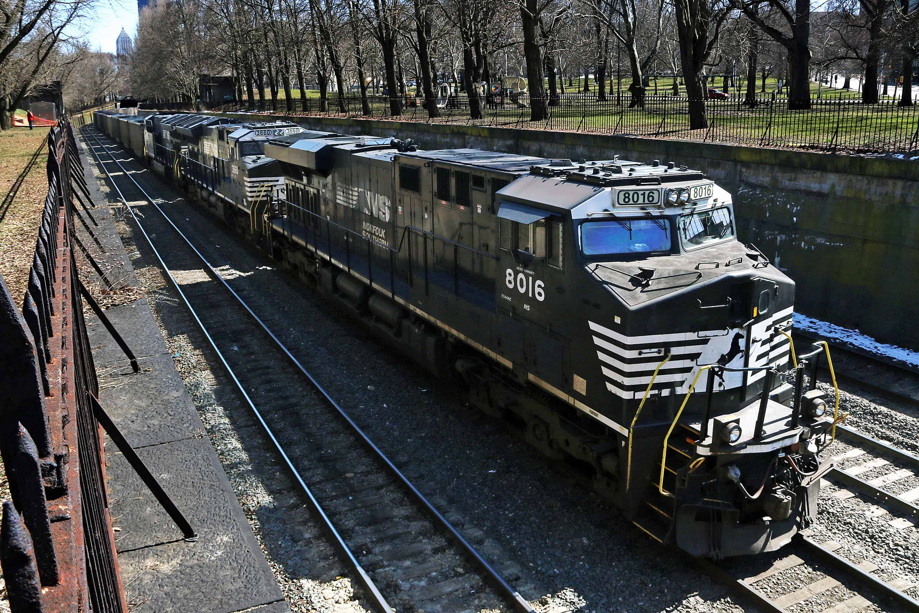norfolk southern management asked - HD 3000×2001